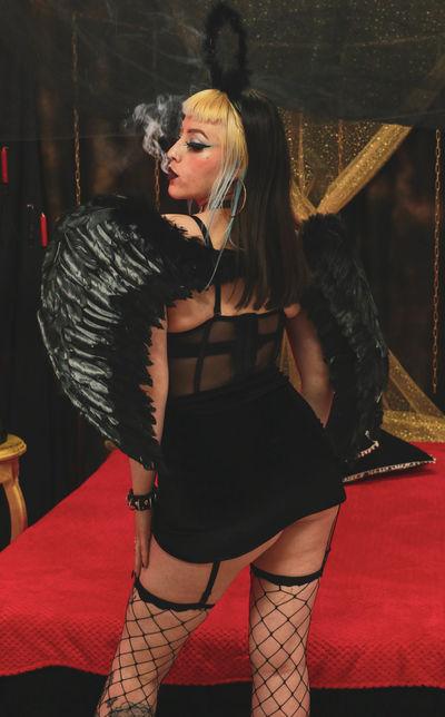 Minnie Loera - Escort Girl