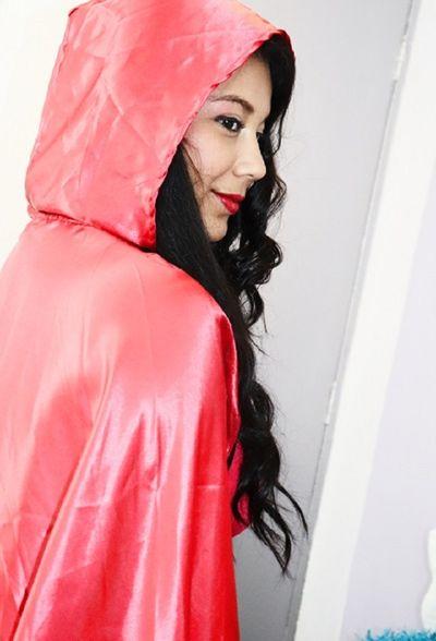 Alanna White - Escort Girl