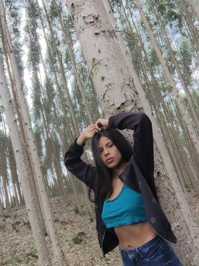 Alay James - Escort Girl