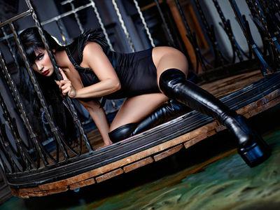 Alisa Hunnam - Escort Girl