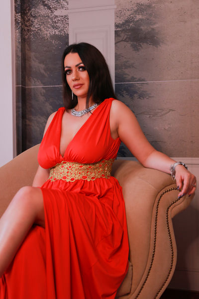 Aliyah Ambros - Escort Girl