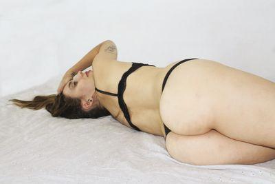 C Martina - Escort Girl