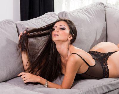 Elisa Thomson - Escort Girl