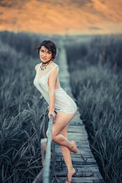Elly Minx - Escort Girl