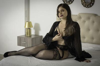 Emilia Pirs - Escort Girl