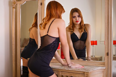 Nicky Akin - Escort Girl