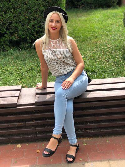 Evelyn Marcos - Escort Girl