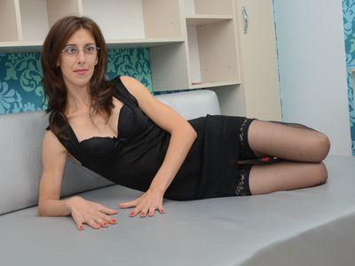Flirt Secretary - Escort Girl
