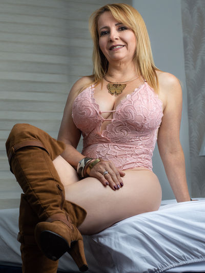 Johnson Victoria - Escort Girl