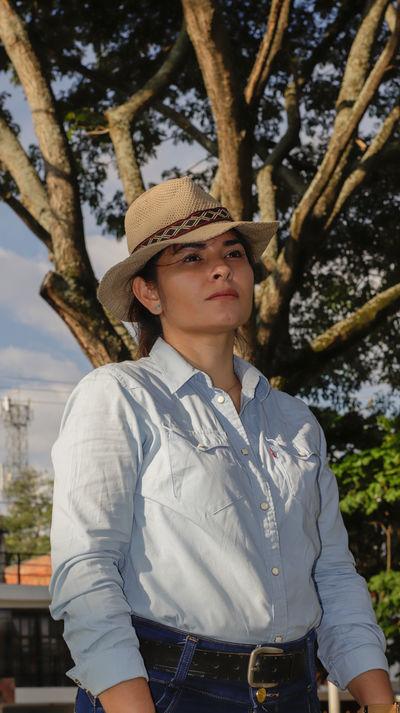 Vera Dennis - Escort Girl