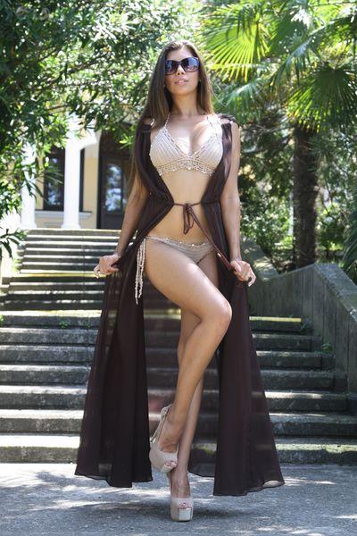 Kamylia Elmers - Escort Girl