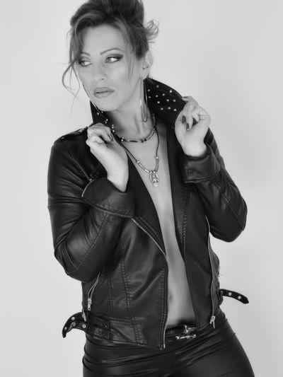 Karra Diamond - Escort Girl