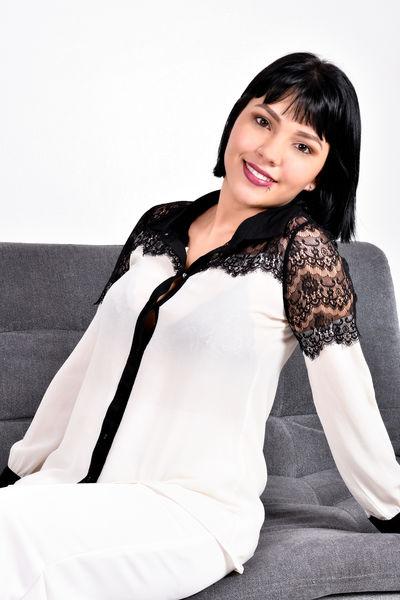 Kiara Almeyda - Escort Girl
