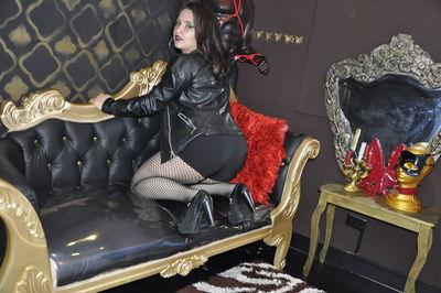 Lana Harry - Escort Girl