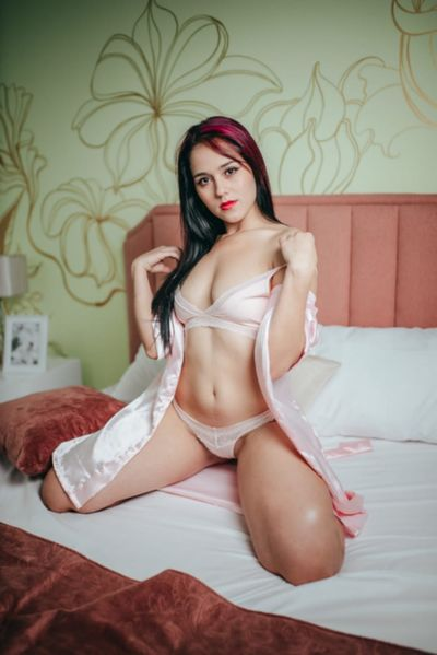 Lia Wiliams - Escort Girl