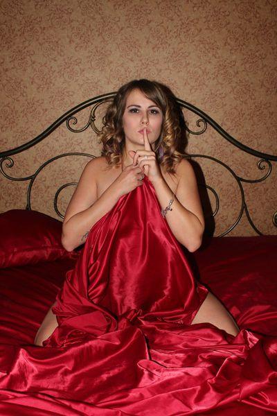 Linsey Lust - Escort Girl
