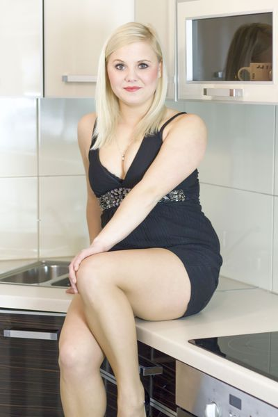 Mia Graham - Escort Girl