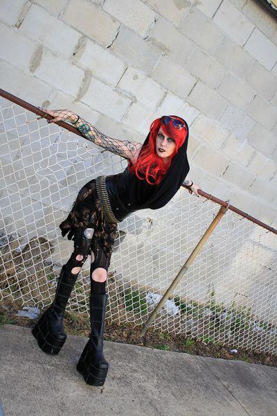 Manda Chaos - Escort Girl