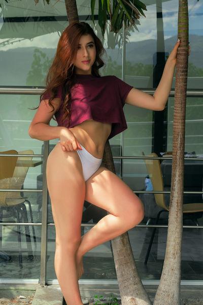 Mia Ponce - Escort Girl
