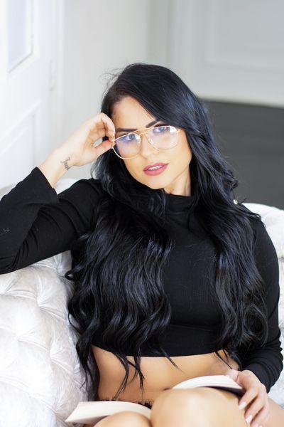 Milu Bubka - Escort Girl
