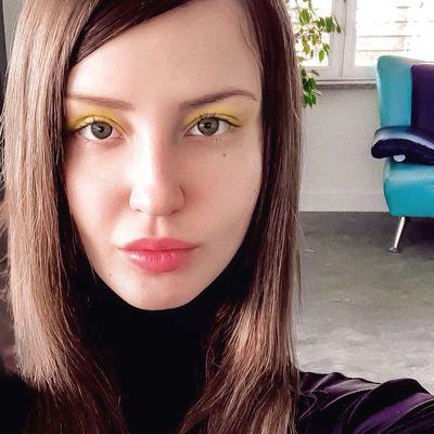 Mira Vlasova - Escort Girl