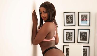 Nahomy Evans - Escort Girl