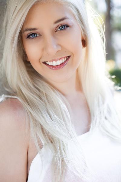 Nikki Pinx - Escort Girl