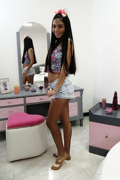 Julieth Song - Escort Girl