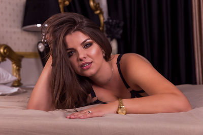 Selene Enn - Escort Girl