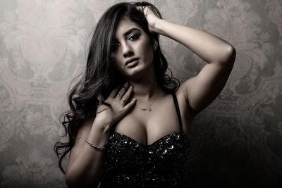 Selina Douglas - Escort Girl