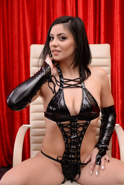 Simina Ivory - Escort Girl