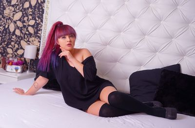 Alexys Shine - Escort Girl
