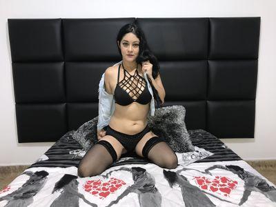 Yazmin R - Escort Girl